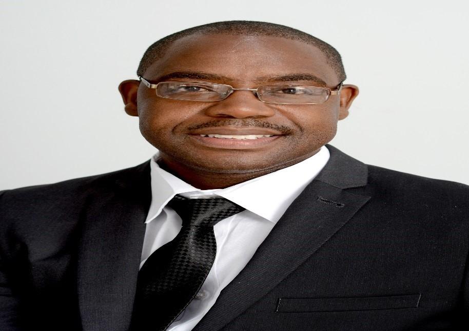 Dr W Mugadza